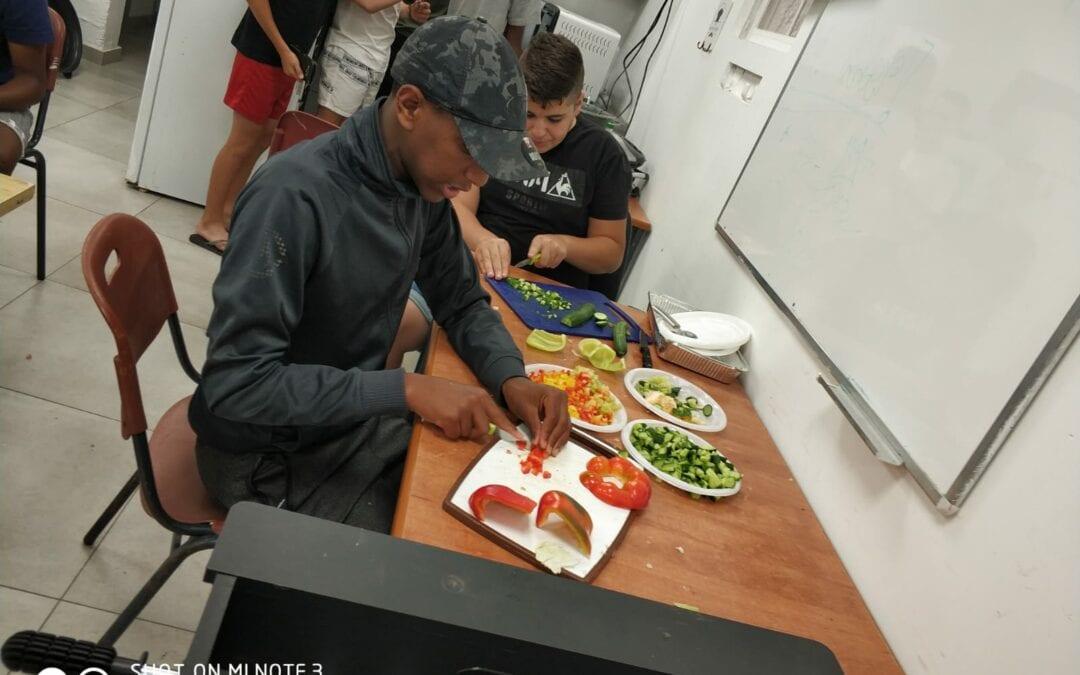 Teens Sharpen Their Cooking Skills in Nevi'im